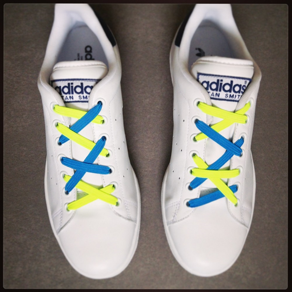 c574d5229a15 Mini Lacci colorati per personalizzare le tue scarpe. Confezione da 12 lacci
